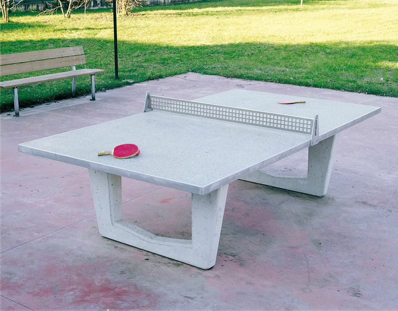 Installer quelques tables de ping-pong en ville