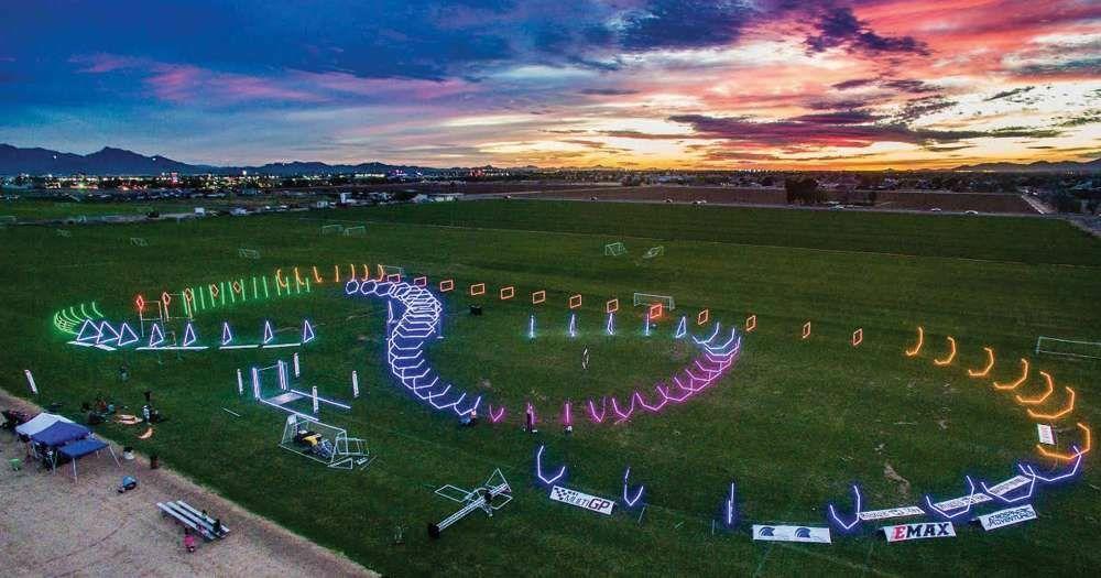 Circuit pour drones - lumineux la nuit grâce à l'énergie solaire