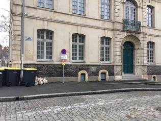places de parking rue du parvis saint maurice