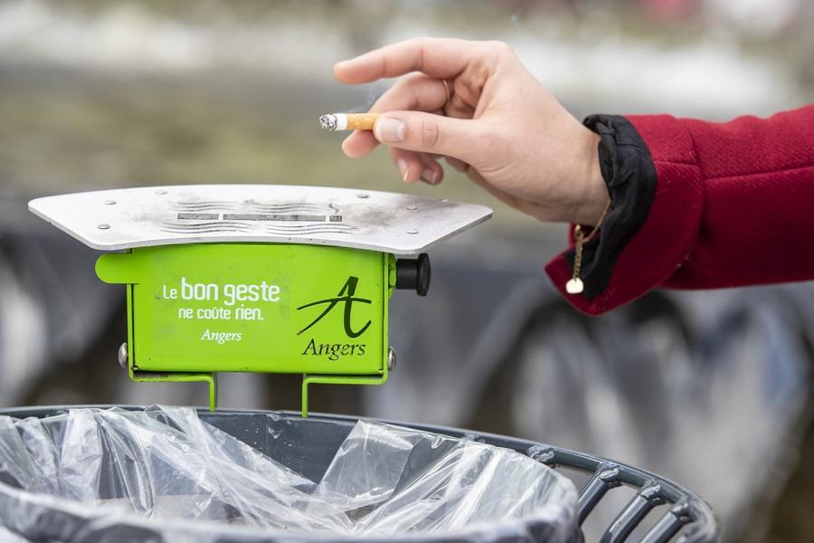 Des cendriers pour une ville plus propre